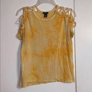 Yellow rue21 T-shirt